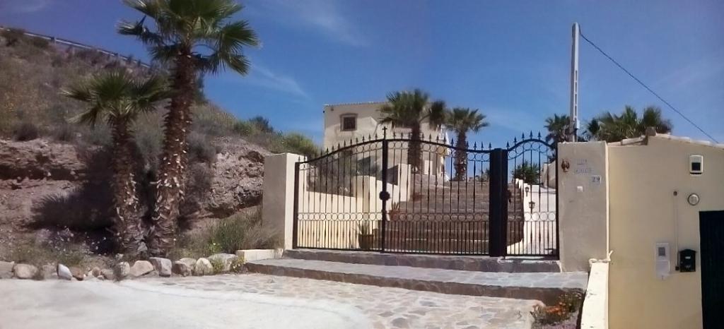 privado asunto besando en Almería